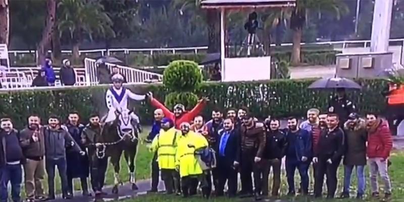 CANDADAŞ, Kubilay Koşusu'nu kazanırken kalabalık grubu olarak padokta hatıra fotoğrafı çektirmekte rekor kırdı