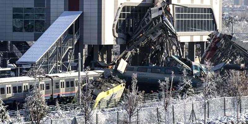 Ulaştırma Bakanı açıkladı. Ankara'daki YHT kazasında 9 ölü, 47 Yaralı