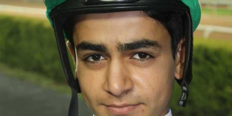 Jokey Ahmet Çelik ve Müslüm Çelik'in kardeşi Mehmet Salih Çelik ilk yarışını kazandı