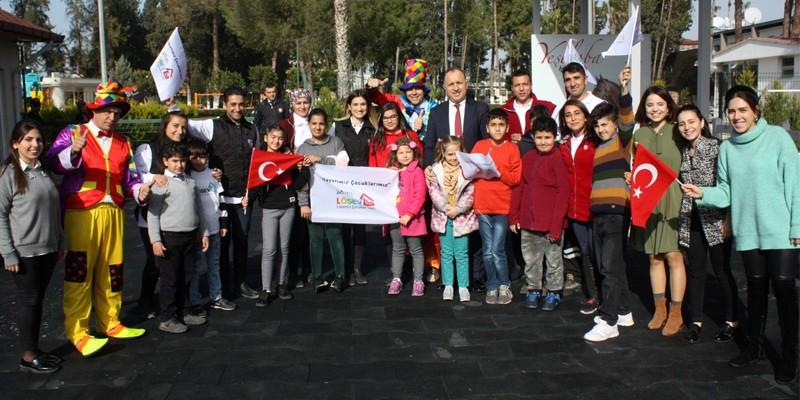 Adana Hipodromu'nda LÖSEV Vakfı çocukları ağırlandı
