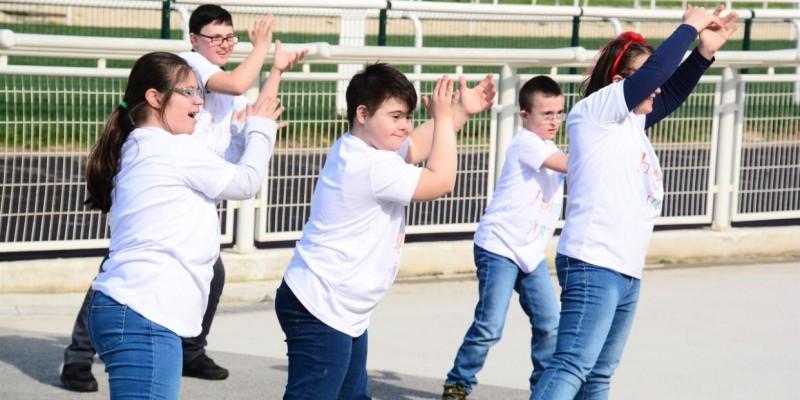 TJK Hipodromlarında Down Sendromu Farkındalık Günü'ne özel etkinlikler düzenlendi.