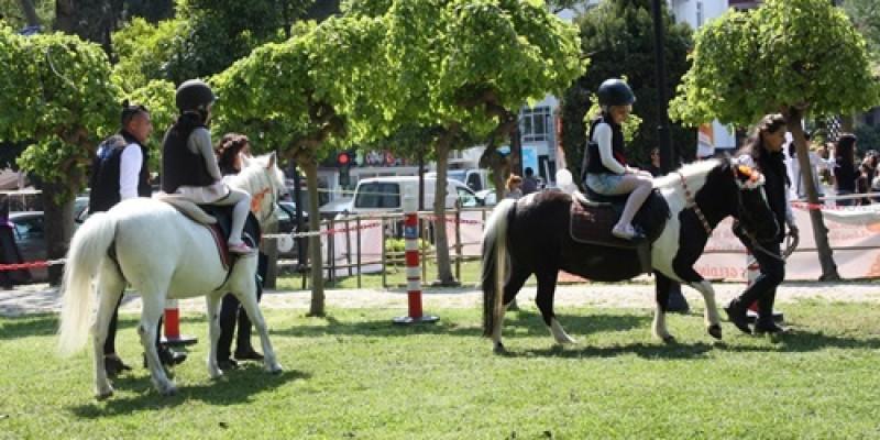 Portakal Çiçeği Karnavalı'nda  Pony Club'a yoğun ilgi