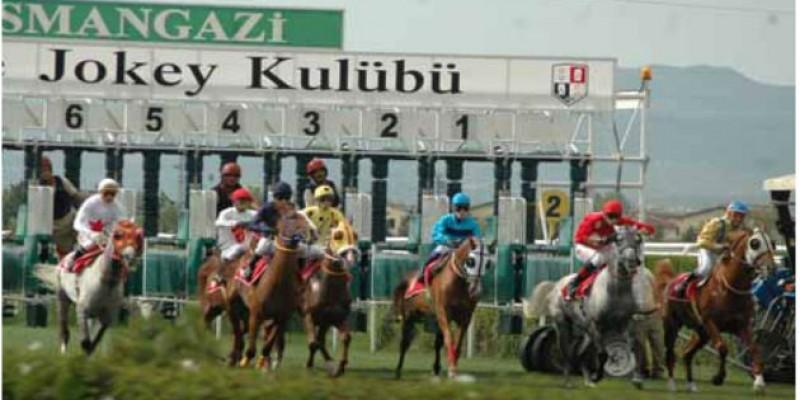 Bursa Osmangazi Hibodromu Orhangazi Koşusu nefesleri Kesti fotodan Varlıklı Jokeyi T. Yıldız ile 1.30.88 derecesiyle kazandı.