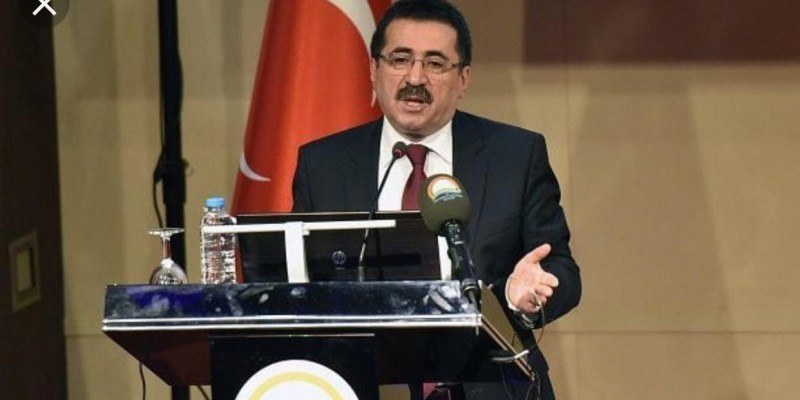 YKK  başkan Yardımcısı Nihat Pakdil görevinden alındı