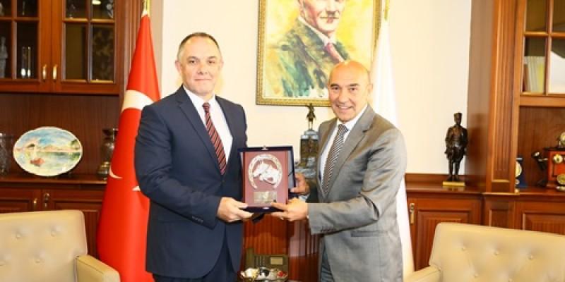 İzmir Hipodrom Müdürü Cüneyt Ertan,  Tunç Soyer'i ziyaret etti