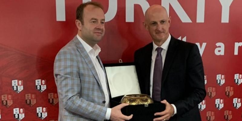 Kim Kelly 21 Haziran Cuma Günü İstanbul Veliefendi Hipodromun'da basına kapalı Komiserler kurulu toplatısı yapıldığı için bir verim alınamıyacaktır