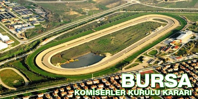 Bursa Osmangazi Hibodromu'nda  Start verildikten sonra safkanlar birbirlerine foul yaptı komiserler kurulundan ihtar bile çıkmadı