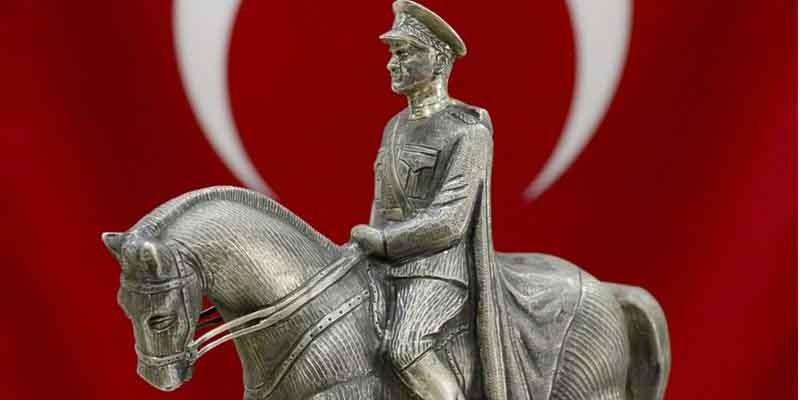 Ulu Önder Mustafa Kemal Atatürk adına koşulacak 93.Gazi Koşusunun 3 favorisi Gazi Koşusu gününe kadar artık birbirleriyle koşmayacaklar