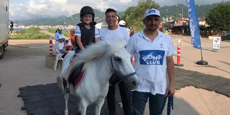 Pony Club atları şehir şehir dolaşıyor