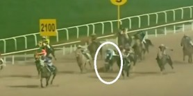 Samet Erkuş iki koşu üst üste kazandı son koşuda attan düştü Ambulansla Hastaneye sevk edildi.