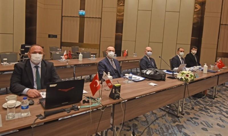 Soldan sağa; Ahmet Kılınç (Genel Müdür Yardımcısı), Tuncel Aydın (Genel Müdür), Murat Kuluöztürk (Genel Müdür Yardımcısı), Mehmet Şirin Bozkurt (Genel Müdür Yardımcısı) ve Burak Konuk (Genel Müdür Yardımcısı)
