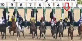 Starttan jokeyiz çıkan atların binicileri  komiserler kuruluna artık ifade vereceklerdir.