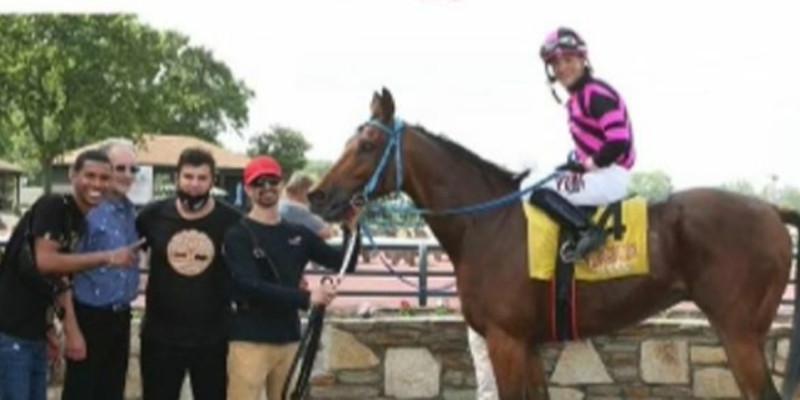 Kantarmacı ekürisi ABD Philadelphia Park'ta 3'üncü birinciliğini yaptı